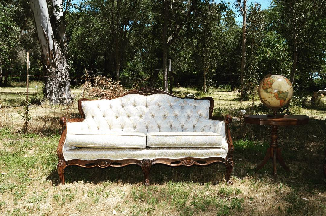Vintage Ivory White Tufted Love Seat Love Of Parties