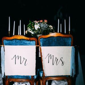 007 - Mr & Mrs Signs