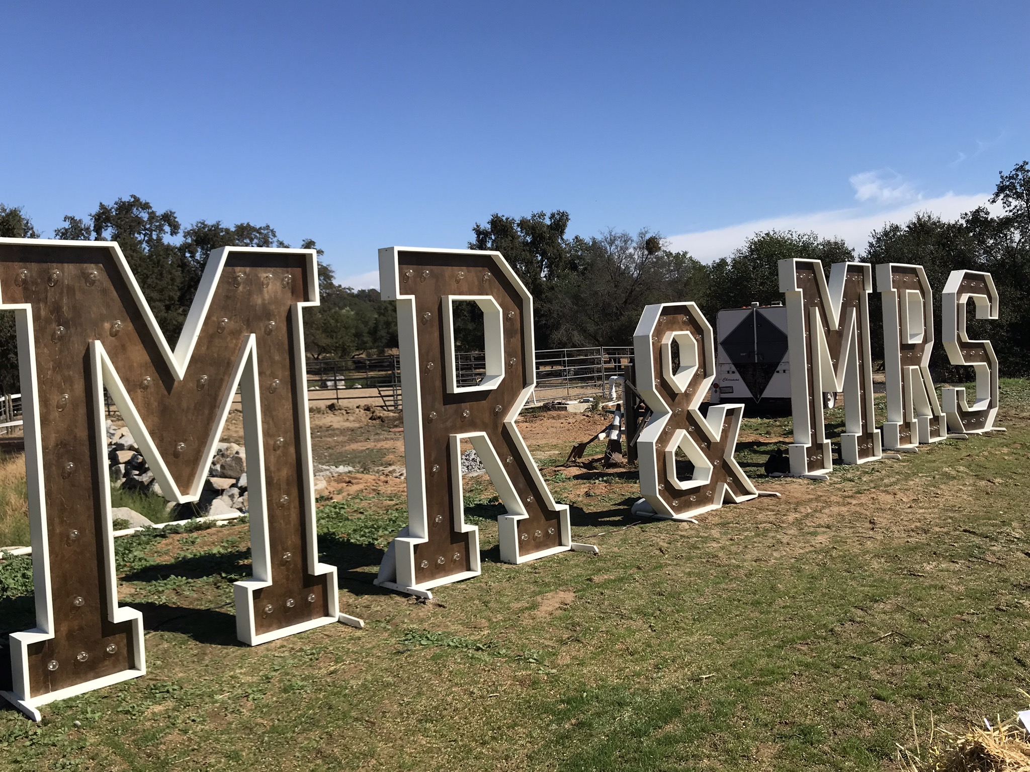 Large Marquee MR & MRS Sign Light Up Letters Wedding Backdrop