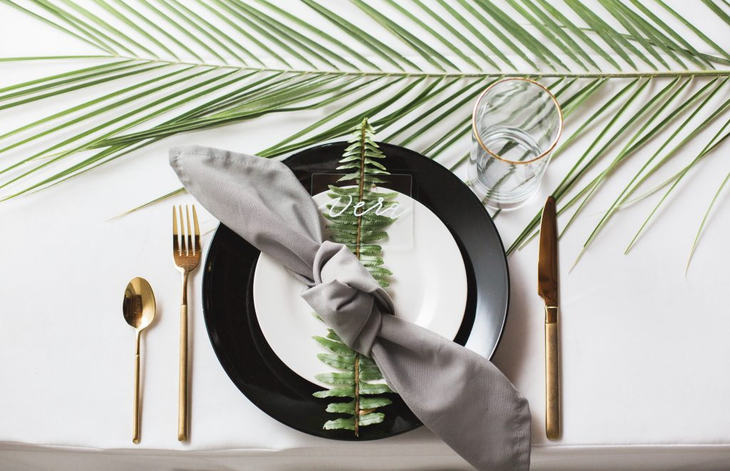 tropical theme 30th birthday chic party ideas botanical modern centerpiece pineapple geometric placesetting