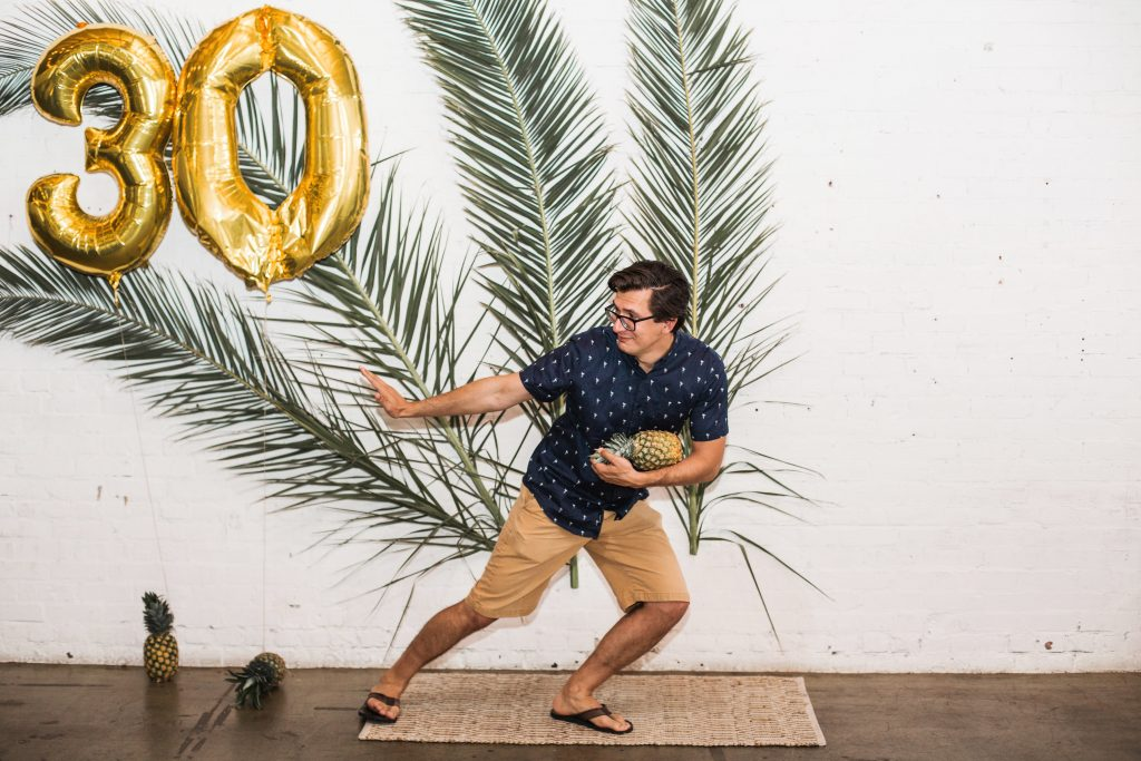 tropical theme 30th birthday chic party ideas modern outfit