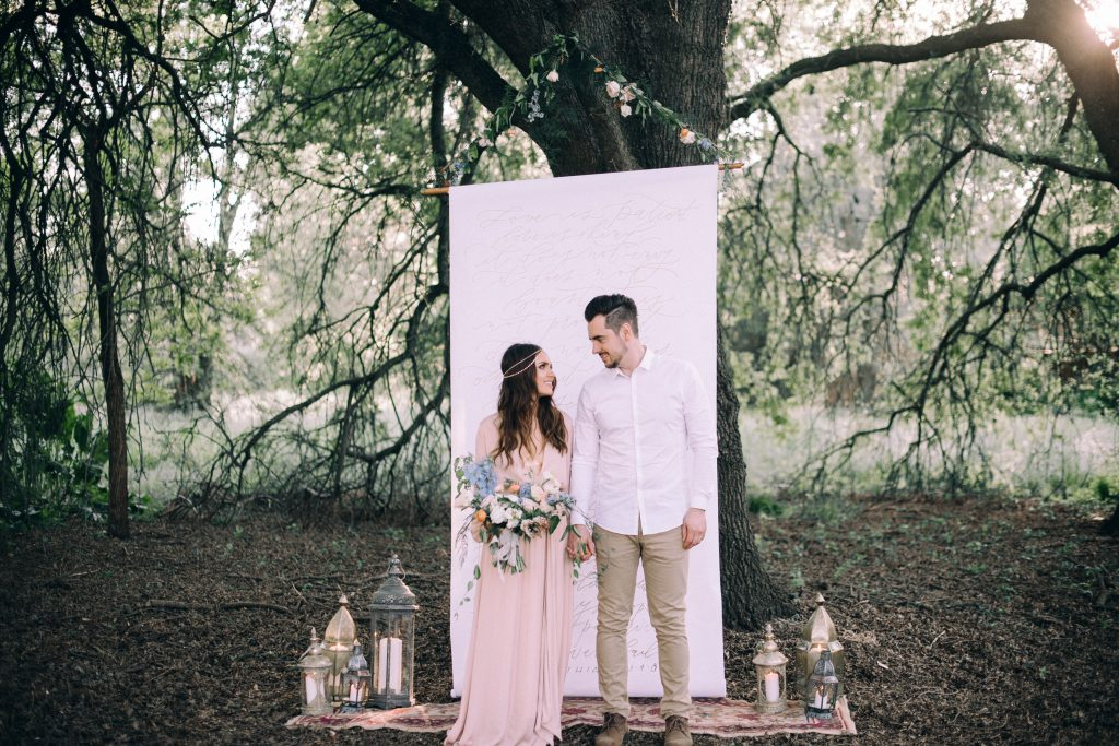 bohemian wedding boho dress style decor ideas ceremony