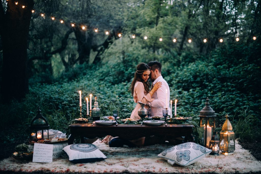 ceremony bohemian wedding boho dress style table decor ideas boho rugs bride