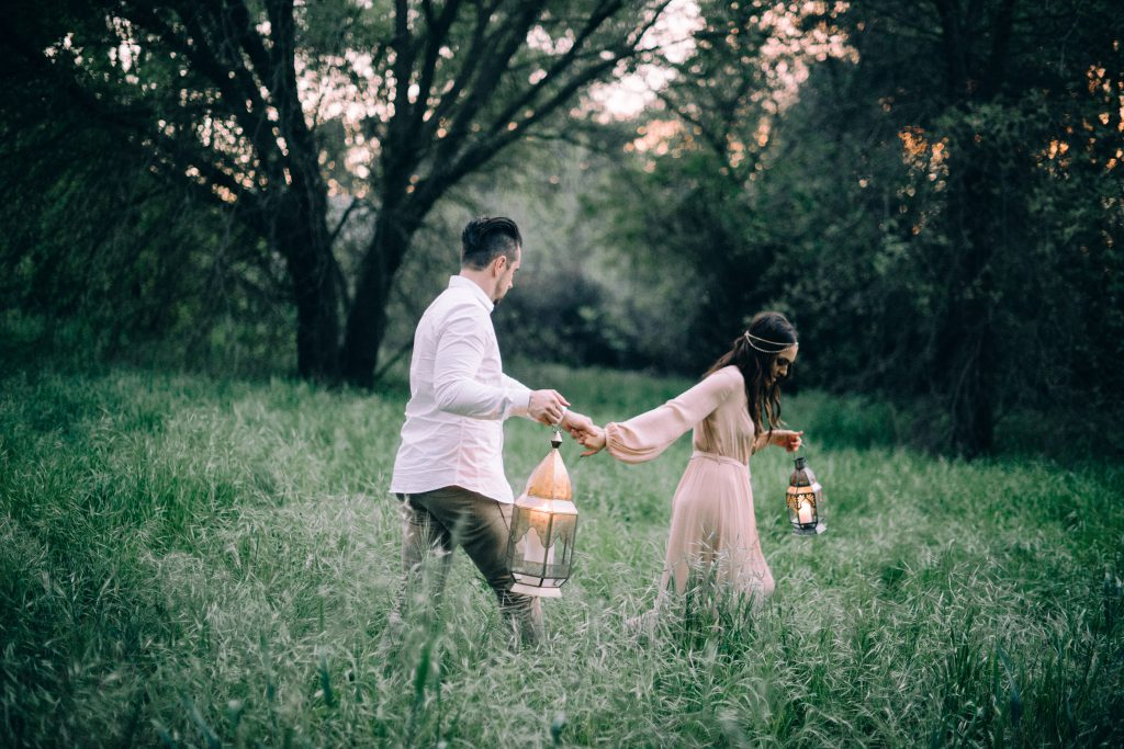 ceremony bohemian wedding boho dress style decor ideas bride couple