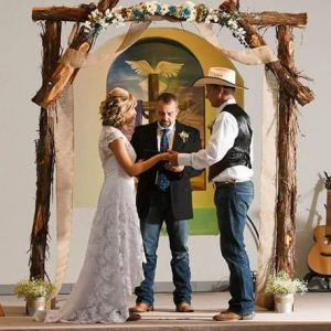 rustic cedar arch rental houston