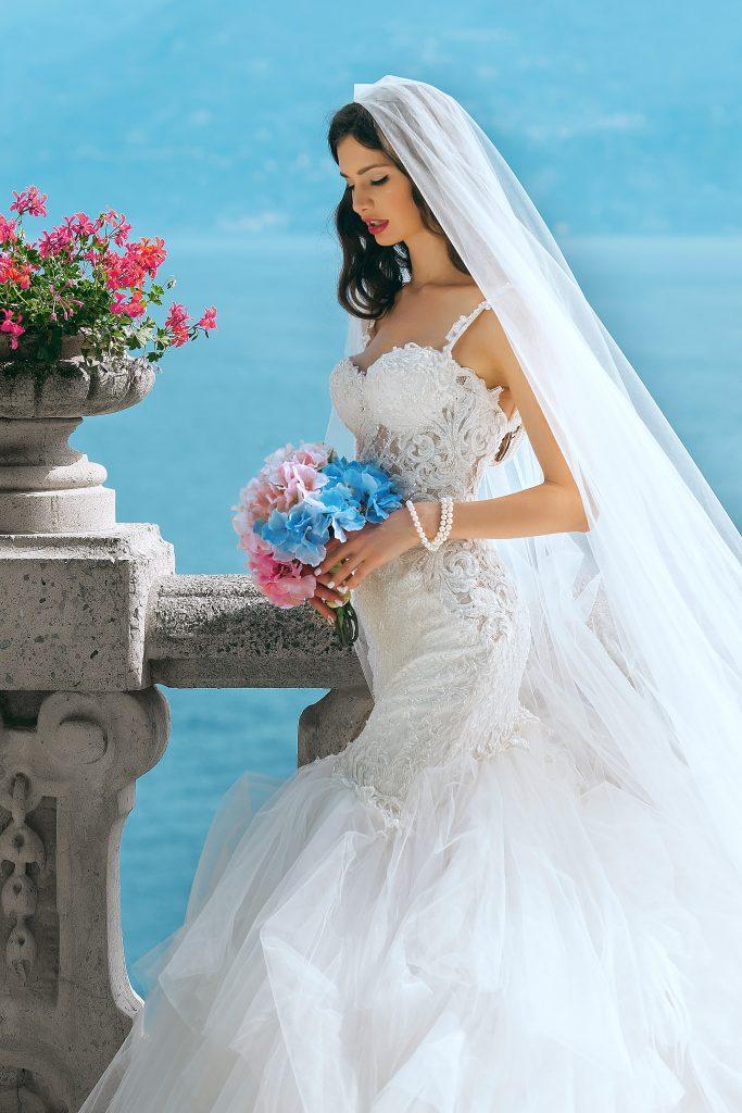 micro wedding bride